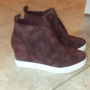 🖤Wedge Sneakers 😍